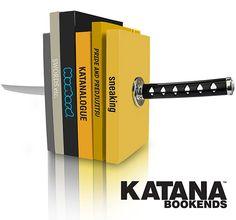 Katana Bookends    Conheça o suporte para livros Katana que simula uma espada ninja! | Magnatas