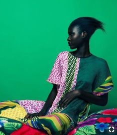 EDITORIAL: Check out Marianne Fassler's vibrant, South Africa-inspired Resort collection, Hauwa Dauda, shot by photographer Paul Samuels. South African Fashion, Africa Fashion, Ethno Style, Tribal Style, Estilo Hippie, Fashion Colours, Mode Inspiration, Fashion Inspiration, Sport Fashion