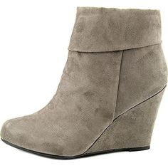 Manufacturer: Report Size: Manufacturer Color: Retail: $ Condition: Style Type: Wedge Boots Collection: Report Shoe Width: Medium (B, M) Heel Height (Inches): Inches Platform Height (Inches): Inches S