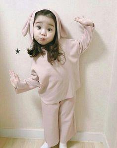 Ahlyn kawaii Bebe Mamang 可愛い ღ Cute Asian Babies, Korean Babies, Asian Kids, Cute Babies, Baby Kids, Cute Korean, Korean Girl, Cute Baby Girl, Boy Or Girl
