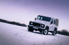 Land Rover Defender - the icy experience / photo: adsafariadvertising.com