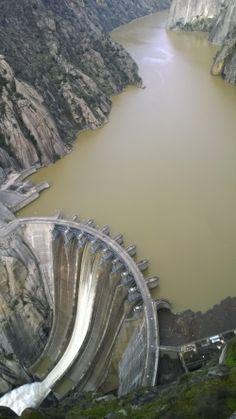 Different Types Of Engineering Dam - Engineering Discoveries Water Dam, Hydroelectric Power, Bridge Construction, Japan Architecture, Arch Bridge, Hoover Dam, House Front Design, Dark Fantasy Art, Civil Engineering