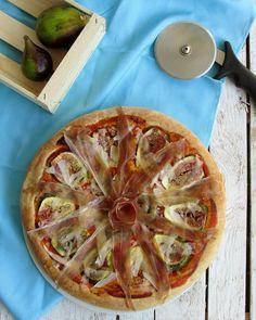 Pizza in teglia a lunga lievitazione con fichi, prosciutto crudo di Parma e scaglie di Parmigiano Reggiano #mtchallenge #pizzainteglia