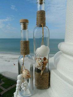 Maritime decorating ideas invite the sea home-Maritime Deko Ideen laden das Meer nach Hause ein Sea decor maritime glass bottles with shells - Wine Bottle Art, Wine Bottle Crafts, Jar Crafts, Diy And Crafts, Bottle Bottle, Wood Crafts, Seashell Art, Seashell Crafts, Beach Crafts