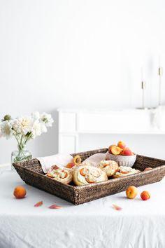 Kysnuté koláče s tvarohom a marhuľami – Lapetit Baking Recipes, Cake Recipes, Food Photography Props, Cake Blog, Okra, Allrecipes, Food Inspiration, Cheese, Roman