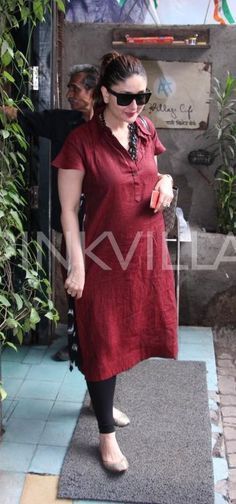 Kareena Kapoor Khan is clicked here on a lunch date. The lovely lady of B-town, who is expecting her first baby with hubby Saif Ali Khan, looked smas. Indian Maternity Wear, Cute Maternity Dresses, Maternity Fashion, Maternity Style, Pregnancy Wardrobe, Pregnancy Outfits, Pregnancy Wear, Maternity Wardrobe, Pregnancy Clothes