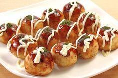 Bánh Takoyaki - Bánh bạch tuộc xứ hoa anh đào  Nhắc tới ẩm thực Nhật Bản, các bạn sẽ không thể bỏ qua món bánh bạch tuộc Takoyaki , món ăn đặc sản của người dân vùng Osaka.