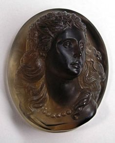 Cameo Jewelry, Horse Photos, Minerals And Gemstones, Silver Work, Ancient Jewelry, Stone Carving, Ancient Art, Etsy Vintage, Glass Art