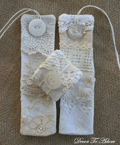 decortoadore.blogspot  could be embroidered - easier to maintain than embroidered napkins
