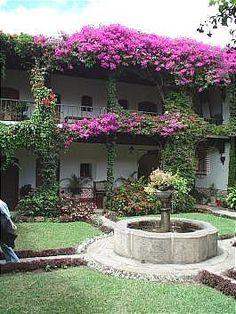 donrodrigo-courtyard2.jpg (265×353)