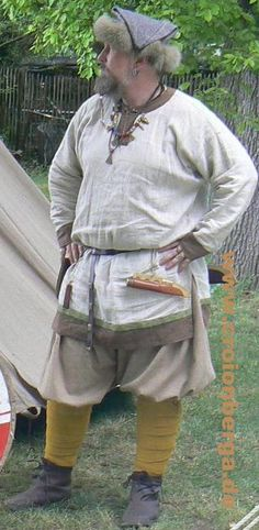 Viking male garb based mostly on Birka finds. Holger Ulfsson from the German…