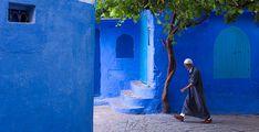 Chefchaouen, una pequeña ciudad al norte de Marruecos, es conocida por el azul de sus paredes, casas, puertas y aceras de la ciudad vieja. ¡Maravillosa!