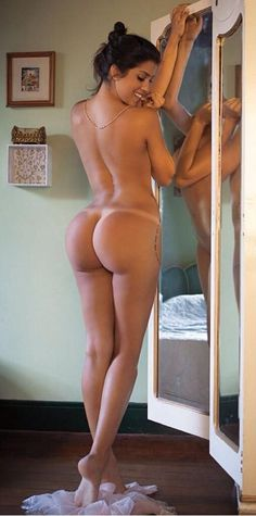 Hot wife nude bends over