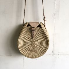 Deco Design, Straw Bag, Outfits, Fashion, Baskets, Bags, Objects, La Mode, Outfit