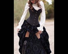 27 Excellent Victorian Steampunk Costumes For Women To Inspire You - Steampunko . - 27 Excellent Victorian Steampunk Costumes For Women To Inspire You – Steampunko – Nähen – Source by heidelorejuhnke - Steampunk Costume Women, Steampunk Fashion Women, Viktorianischer Steampunk, Steampunk Cosplay, Steampunk Clothing, Victorian Fashion, Womens Fashion, Victorian Women, Steampunk Outfits