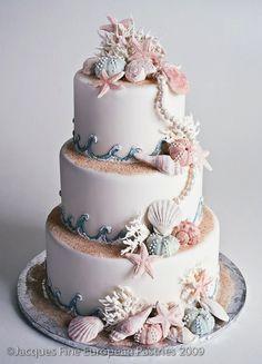 Original pastel de boda inspirado en la playa