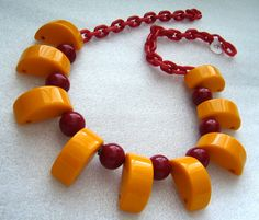 Vintage celluloid, bakelite & plastic jewelry by ThePlasticFever Plastic Jewelry, Old Jewelry, Resin Jewelry, Vintage Jewelry, Jewlery, Plastic Art, Baubles And Beads, Art Deco Necklace, Vintage Love