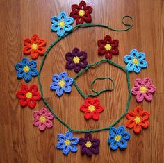 A Hermit's Wish - this is a tutorial for a sweet flower bunting