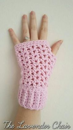Valerie's Fingerless Gloves Crochet Pattern valeries-fingerless-gloves-free-crochet-pattern-the-lavender-chair Mehr Crochet Chain, Crochet Motifs, Double Crochet, Crochet Stitches, Crochet Hooks, Free Crochet, Single Crochet, Ravelry Crochet, Tunisian Crochet