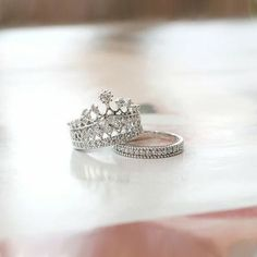 New Exquisite Princess Crown Alloy Gold Plated Women's Stack Ring