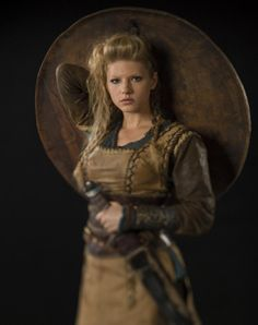 Lagertha Lothbrok (Katheryn Winnick) 'Vikings' 2013. Costume designed by Joan Bergin.