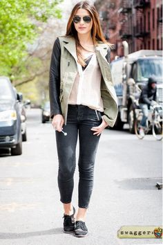 Skinny pants with cute sneakers or canvas flats=love!