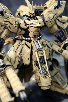 P-Team's Custom [MG Sazabi Ver.Ka + HGUC Kshatriya]: SAZABI Ver LAIKA