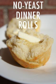 No Yeast? No Problem With These Dinner Rolls Out of yeast? Don't let that stop you from baking tonight's dinner rolls from scratch.<br> No yeast? No problem. These no-yeast dinner rolls make creating mealtime carbs a snap. Yeast Free Recipes, Yeast Free Breads, Quick Bread Recipes, Baking Recipes, No Yeast Bread, No Rise Bread, Dinner Rolls Easy, No Yeast Dinner Rolls, Easy Rolls