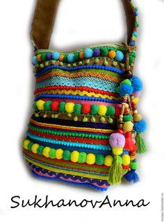 Купить или заказать Бохо-сумка 'Карнавал' в интернет-магазине на Ярмарке Мастеров. Сумка в ярком бохо или этническом стиле.Взрыв цвета!Выполнена из натуральной замши полностью.Украшена разнообразными тесемками,,помпонами,бусинами и бисером.Съёмное украшение на ручке.Возможно сделать сумочку в любых цветах,форме и с любыми узорами.…