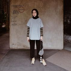 Like, 130 Comments – 𝖎𝖓𝖙𝖆𝖓 𝖐𝖍𝖆𝖘𝖆𝖓𝖆 –… – Best Of Likes Share Modern Hijab Fashion, Street Hijab Fashion, Hijab Fashion Inspiration, Muslim Fashion, Modest Fashion, Korean Fashion, Fashion Muslimah, Abaya Fashion, Casual Hijab Outfit