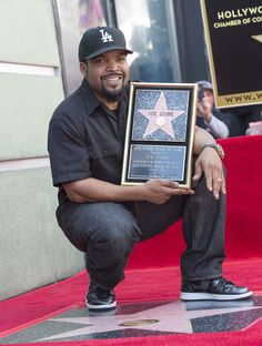 Ice Cube Photos Photos - Rapper/actor Ice Cube attends his star unveiling ceremony on the Hollywood Walk of Fame, on June in Hollywood, California. / AFP PHOTO / VALERIE MACON - Ice Cube Honored with a Star on the Hollywood Walk of Fame Ice Cube Rapper, Cube World, Friday Movie, Rap Singers, Gta San Andreas, Rap God, American Rappers, Hip Hop Rap, Hollywood Walk Of Fame