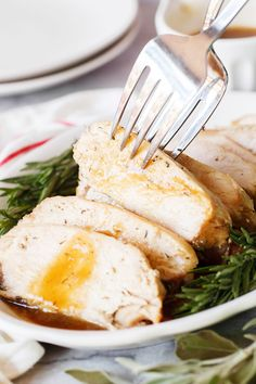 Slow Cooker Turkey Breast with easy gravy requires just 10 minutes prep time and doesn't take up valuable space in your oven on Thanksgiving! Plus it's extra tender and moist, it's a win-win! Slow Cooker Turkey, Cooking Turkey, Slow Cooker Recipes, Crockpot Recipes, Healthy Recipes, Drink Recipes, Healthy Food, Dinner Recipes, Turkey Breast In Crockpot Recipe