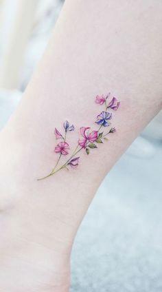 Tiny Flower Tattoos, Dainty Tattoos, Mom Tattoos, Pretty Tattoos, Finger Tattoos, Cute Tattoos, Body Art Tattoos, Tatoos, Tattoo Designs Foot