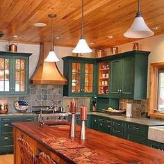 Rustic Cabinets For Your Antique Kitchen – Antique Kitchen Ideas Antique Kitchen Cabinets, Kitchen Cabinets Pictures, Rustic Kitchen Cabinets, Farmhouse Style Kitchen, Painting Kitchen Cabinets, Kitchen Paint, Kitchen Decor, Kitchen Ideas, Kitchen Designs