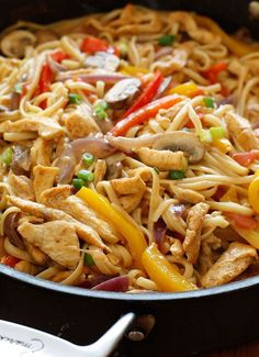 cajun chicken pasta on the lighter side - I loved this recipe! I have tried other cajun chicken pasta recipes and I liked this the best. Ww Recipes, Skinny Recipes, Chicken Recipes, Dinner Recipes, Cooking Recipes, Healthy Recipes, Pasta Recipes, Popular Recipes, Recipies