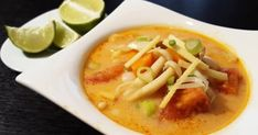 Tom yum leves | Nosalty Thai Red Curry, Lime, Soup, Ethnic Recipes, Finger, Woodworking, Drink, Limes, Beverage