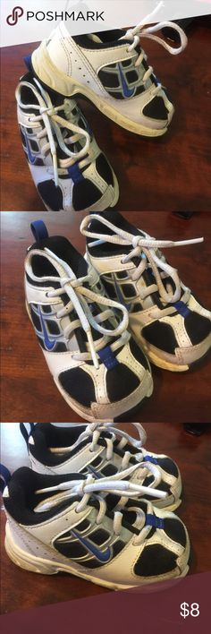 Little Kids Nike Sneakers Nice pre owed condition.Sz 4.5 Baby size. Nike Shoes Sneakers