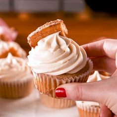 Churro Cupcakes These cinnamon-sugar cupcakes use melted butter, which makes them taste more like the fried treat they are topped with. If you can't find frozen or premade churros, you can always make our easy churro recipe! Get the recipe at . Baking Recipes, Cookie Recipes, Dessert Recipes, Easy Recipes, Homemade Cupcake Recipes, Cheap Recipes, Frosting Recipes, Churro Rezept, Food Cakes