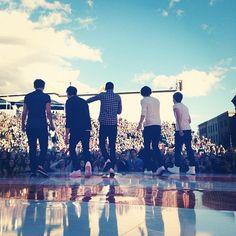 The boys on Ellen nasfijkabfaij k
