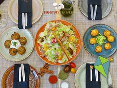 Βγάζουμε τους χαρταετούς μας, μαγειρεύουμε τα νηστίσιμα μας και είμαστε έτοιμοι για την Σαρακοστή! Μαζί την #Καθαρά_Δευτέρα, όπως πάντα!  📍Προσφυγικής Αγοράς 32-34 Μπιτ Παζάρ ,#Θεσσαλονίκη ☎️ 2310.268886 ⏰Καθημερινά από τις 13.00  #manitari_magiko #mpit_mpazar #thessaloniki #tavern #food #τοστέκιμας Menu, Ethnic Recipes, Food, Menu Board Design, Essen, Meals, Yemek, Eten