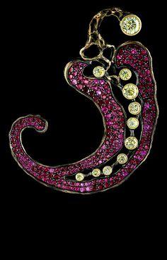 Caravaggio Pendant    247 rubies 4,24 сt  1 yellow sapphire 0,65 ct   1 yellow sapphire 0,33 ct  9 yellow sapphires 1,42 ct  gold 20,08 - 20,48 g