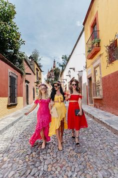 Where to stay in San Miguel. What to do in San Miguel. Where to eat in San Miguel. Havana Party, Havana Nights Party, Cuba Fashion, Look Fashion, Spain Fashion, Travel Fashion, Havana Nights Dress, Night Outfits, Summer Outfits