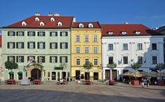 File:Bratislava, Hlavné námestie, Slovensko.jpg