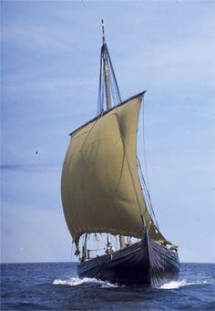 Viking Sailing | Photographer: Werner Karrasch  © Viking Ship Museum, Roskilde