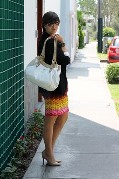 Divina Ejecutiva: Mis Looks - Los colores del verano #divinaejecutiva #officeattire #workinglook #workinggirl #summercolors #printedskirt #whitebag #lasmorzan #marlopez