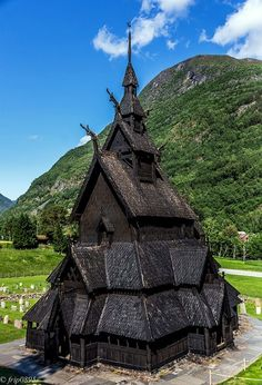 Borgund Stave Church built in 1180 Sogn og Fjordane Fylke, Norway Beautiful Buildings, Beautiful Places, Ancient Architecture, Old Buildings, Black House, Building Design, Norway, House Styles, World