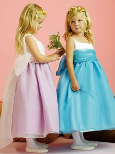 flower girl dresses flower girl dresses with boots flower girl dresses lace tulle simple spathetti straps with bowknot on the back tea length tulle flower girl dress Girls Pageant Dresses, Girls Formal Dresses, Junior Bridesmaid Dresses, Junior Dresses, Little Girl Dresses, Ball Dresses, Ball Gowns, Evening Dresses, Prom Dresses