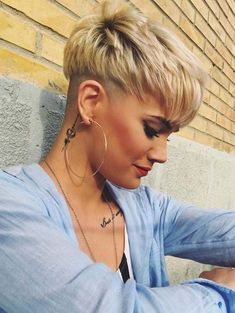 Gorgeous and amazing ideas of short pixie undercut hairstyles for women to create in 2018. No doubt pixie is one of the hottest short hairstyles for women to wear in 2018. You may get a lot of advantages by wearing these fantastic ideas of short pixie haircuts. Wear these best styles in this year for cutest personality.