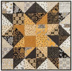 An Elegant Topper That Will Finish Up Quickly Shining Star Table Topper Table Topper Patterns, Quilted Table Toppers, Table Runner Pattern, Quilted Table Runners, Star Quilts, Mini Quilts, Quilt Blocks, Star Blocks, Halloween Quilts