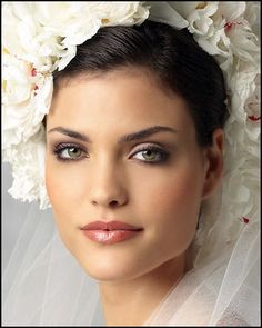 More natural look brings out the Brides green eyes | Timeless Weddings Company